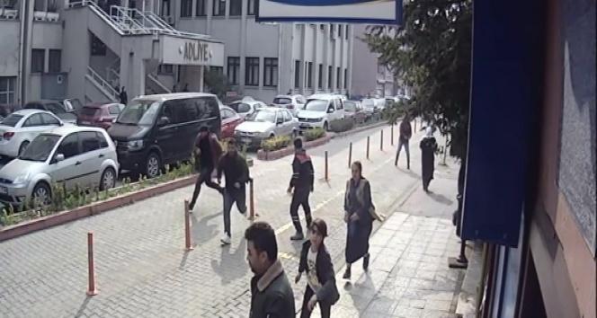 Adliye önünde silahla yaralamaya 2 tutuklama