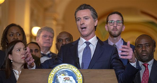 California Valisi Newsom, idam cezalarını uygulamayacağını duyurdu