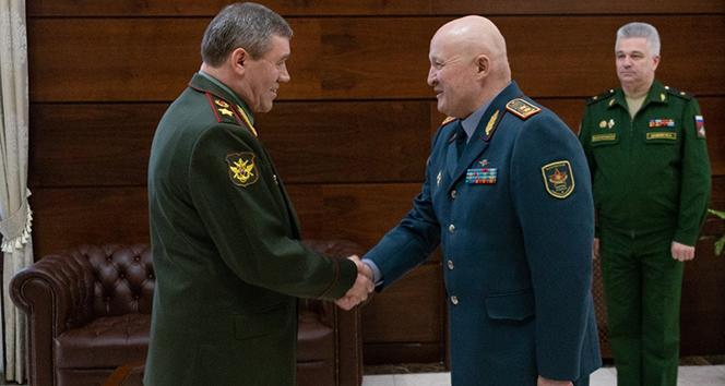 Rus ve Kazakistan ordusu ortak tatbikat yapacak