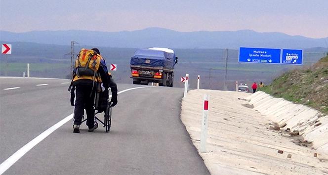57. Alay için tekerlekli sandalyeyle yolculuk