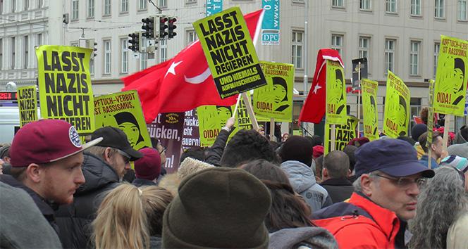 Viyana'da ırkçılık karşıtı protesto