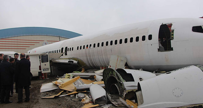 Pistten çıkması ve taşınması olay olan uçak şimdi bu halde