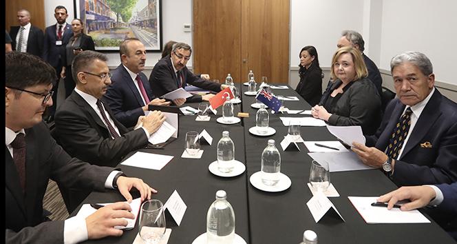 Oktay ve Çavuşoğlu, Yeni Zelanda Başbakan Yardımcısı ve Dışişleri Bakanı Peters ile görüştü