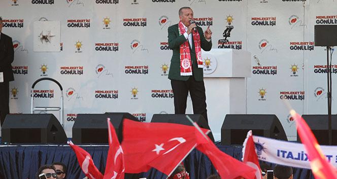 Cumhurbaşkanı Erdoğan: 'CHP'lileri de kurtaralım yoksa bu adam gitmez'