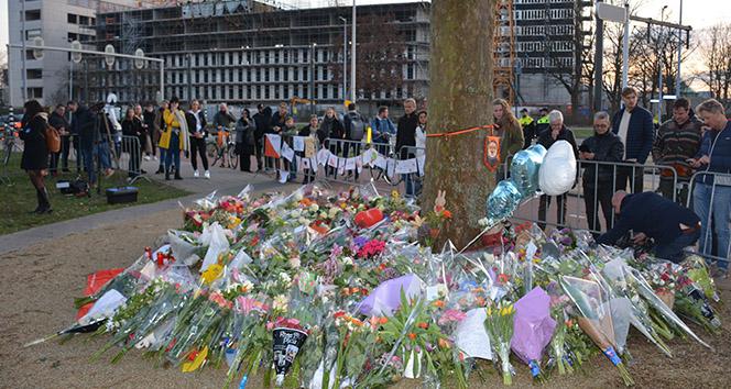 Hollandalılar saldırıda hayatını kaybedenleri anıyor