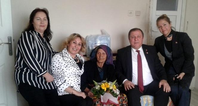 119 yaşındaki Fatma nineye sürpriz
