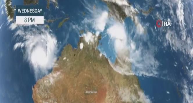 Avustralya'ya iki fırtına birden