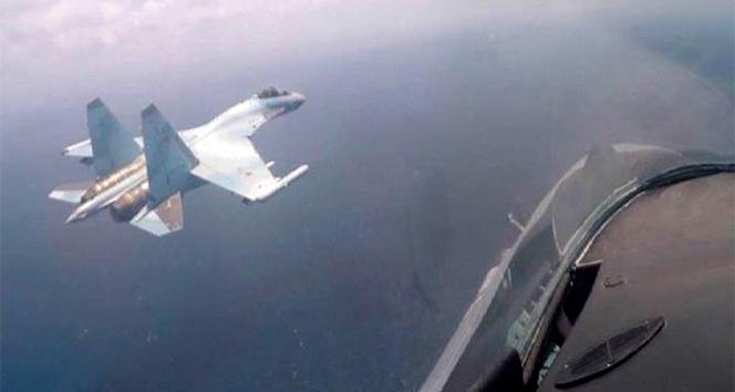 Rus savaş uçakları Suriye semalarında tatbikat yaptı
