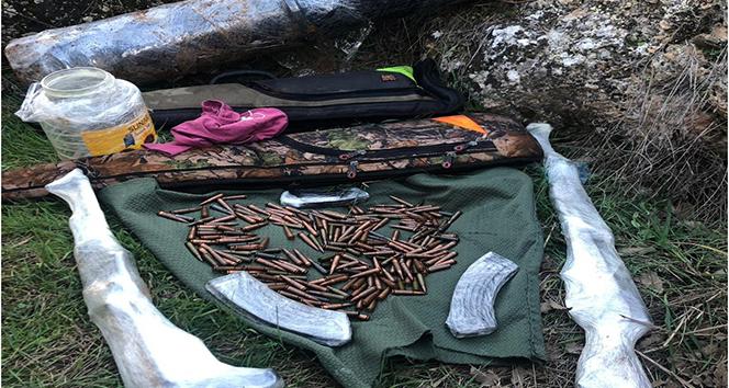 Diyarbakır'da teröristlere ait 4 sığınak tespit edildi