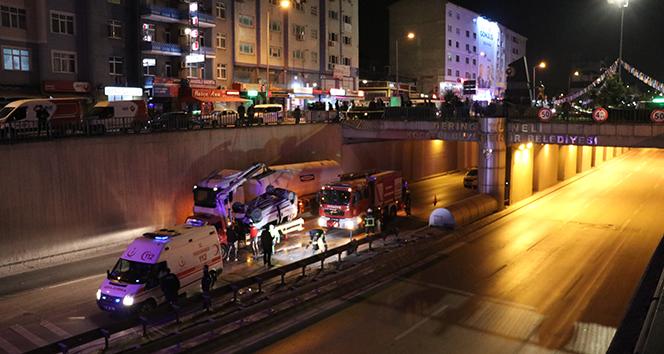 Ticari araç 10 metre yükseklikten tünele uçtu: 3 yaralı