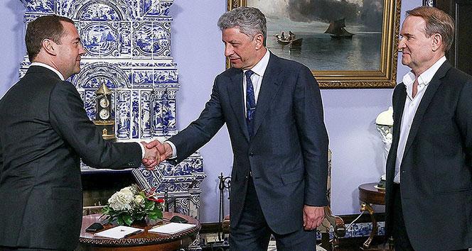Rusya Başbakanı Medvedev, Ukraynalı muhalif lider Boyko ile görüştü