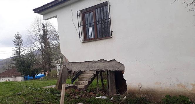 Fatsa'da heyelan nedeniyle evlere boşaltma kararı