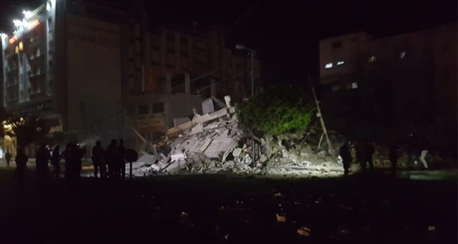 Gazze'den İsrail'in güneyine 30 füze atıldı! İşte o anlar