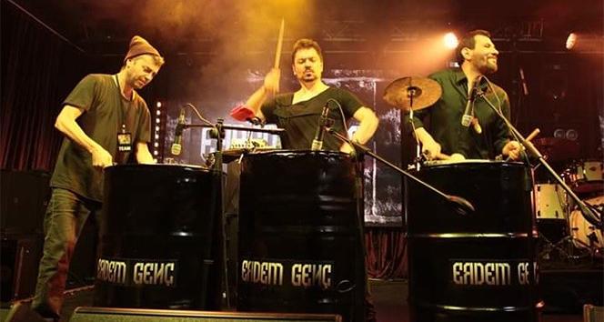 Erdem Genç 'Motivasyon' tanıtım konserinde Beşiktaş'ta sahne aldı
