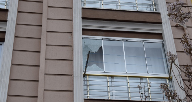 Pompalı tüfekle eve saldırdılar!