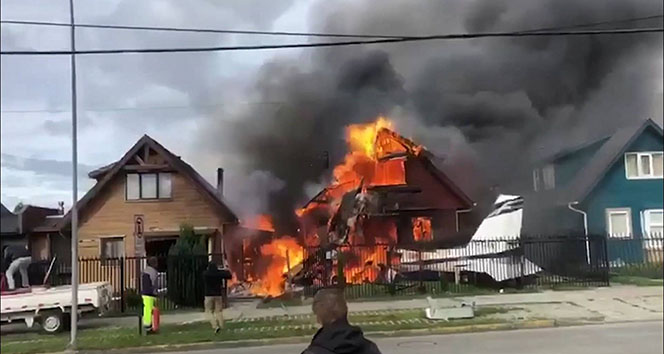 Şili'de evin üzerine uçak düştü: 6 ölü