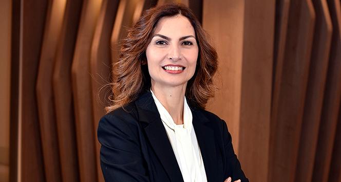 Prof. Dr. Banu Coşar: 'Uzak Gözlüğünden Kurtulmak İçin FemtoLASIK Teknolojisi'