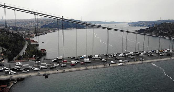 Köprüdeki intihar teşebbüsü havadan görüntülendi