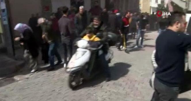 Kağıthane'de bina yıkılırken vatandaşlar böyle kaçıştı