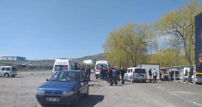 Ankara'da oto pazarında silahlı kavga: 4 yaralı