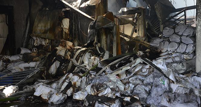 Yangın çıkan kumaş fabrikasında 60 kişi işsiz kaldı