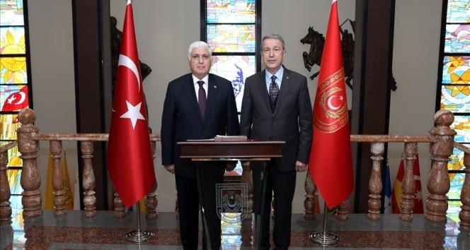 Genelkurmay Eski Başkanı Org. Necdet Özel, Bakan Akar'ı ziyaret etti