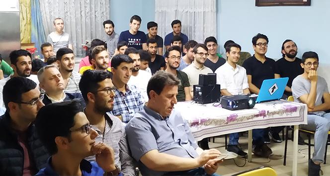 İhlas Vakfı Çukurova Erkek Öğrenci Yurdu'nda mezuniyet coşkusu