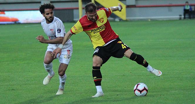 Sivasspor kaçtı, Göztepe kovaladı