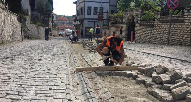 Tarihi çarşı asmazlar caddesinde çalışmalar sürüyor