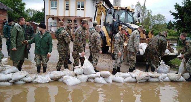 Bosna Hersek'te yaşanan taşkınlar hayatı felç etti