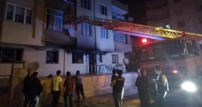 Bursa'da yangında can pazarı:14 kişi hastanelik oldu