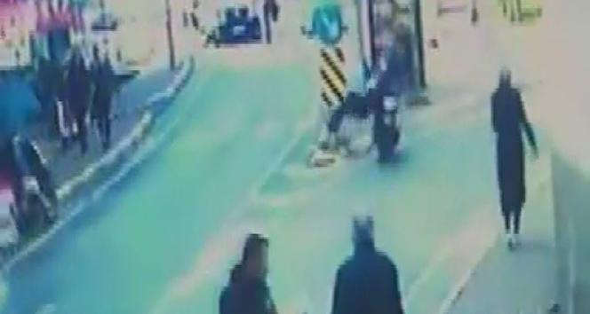Sarıyer'de ters yönden gelen motosiklet yaşlı adama böyle çarptı