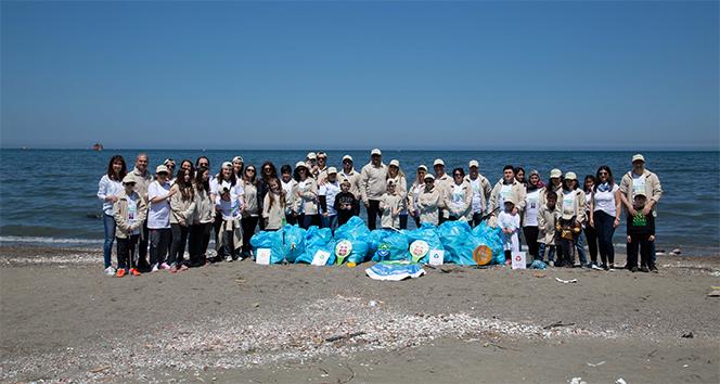Doğa Dostu Araslar 100'üncü yıl anısına Samsun sahilini temizledi