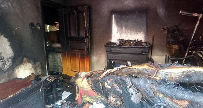 Tuzla'da çocukların evde çakmakla oyunu yangınla sonlandı