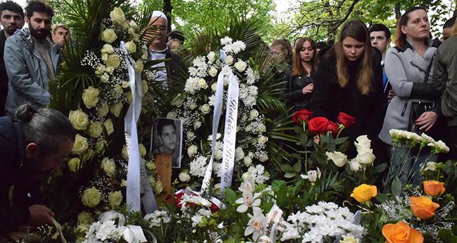 Polonya'da öldürülen 16 yaşındaki Türk genç toprağa verildi