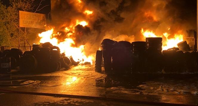 Ankara'da lastikçiler sitesinde yangın: 4 dükkan kül oldu