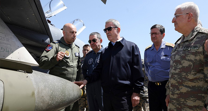 Akar ve komutanlar F-35'lerin konuşlanacağı üssü inceledi