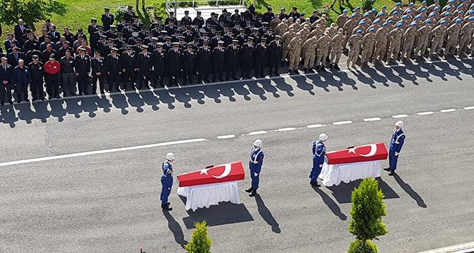Kayıp muhabiri arama çalışmalarında şehit olan askerler için tören düzenlendi