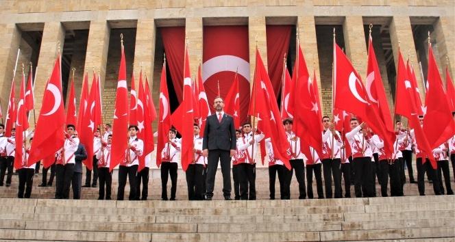 Bakan Kasapoğlu Anıtkabir'de