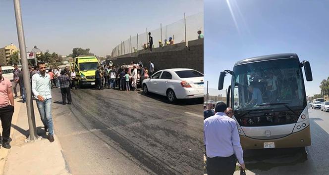 Mısır'da piramitler yakınında turist otobüsüne bombalı saldırı