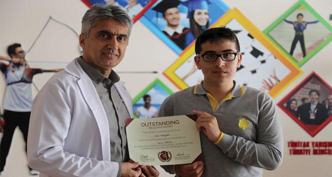 İhlas Koleji öğrencisine Calmun 2019'dan ödül