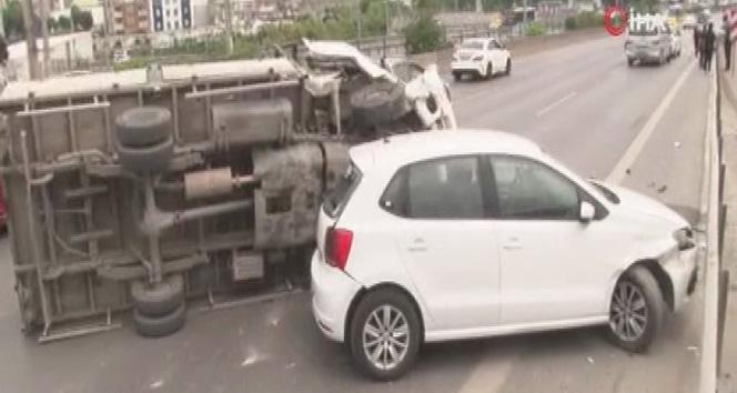 E5'te art arda iki kaza trafiği felç etti