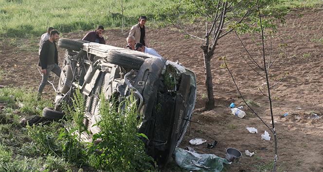 İşçileri taşıyan midibüs devrildi: 7 yaralı