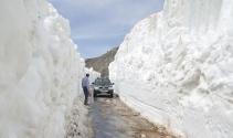Yer: Antalya  |Kar kalınlığı yer yer 5-10 metreyi buluyor