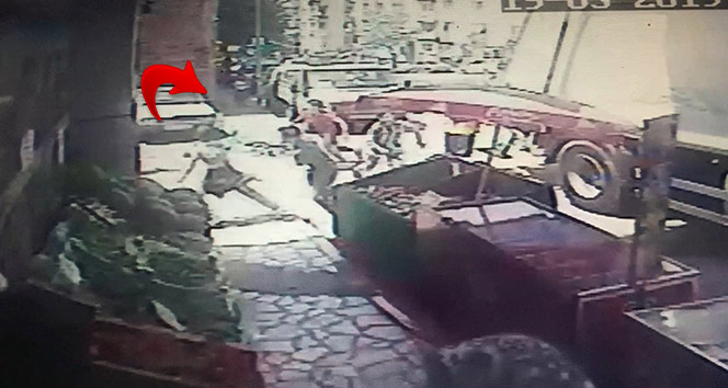 14 yaşındaki gencin kalbinden bıçaklandığı kavga kamerada