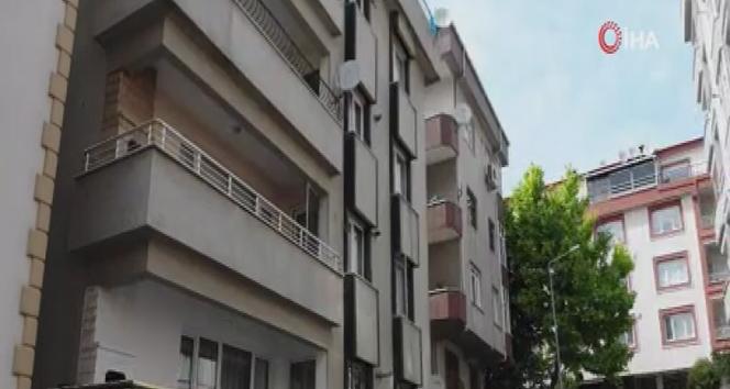 Avcılar'da riskli görülen 2 binada oturan vatandaşlar tahliye edildi