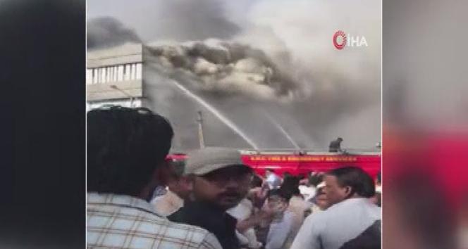 Hindistan'da feci yangın: 19 ölü