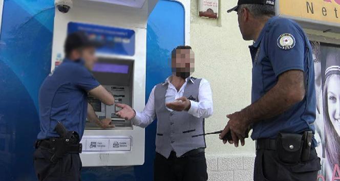 Kira parasını yutan ATM'yi parçaladı