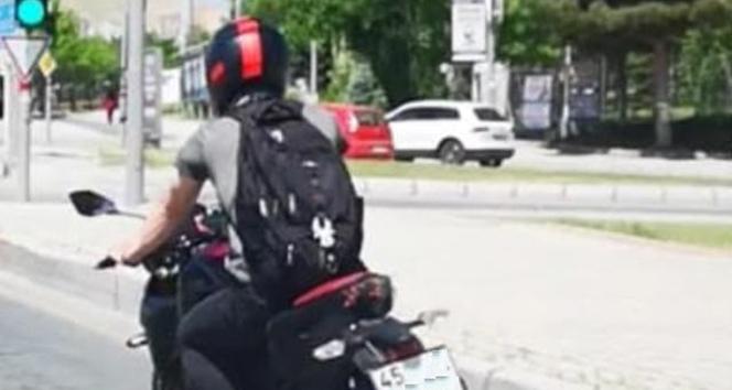 O sürücünün ehliyetinden 30 puan düşürüldü, para cezası uygulandı