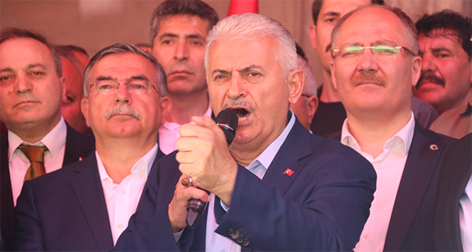 Binali Yıldırım'dan Sivaslılara 'erken dönün' çağrısı